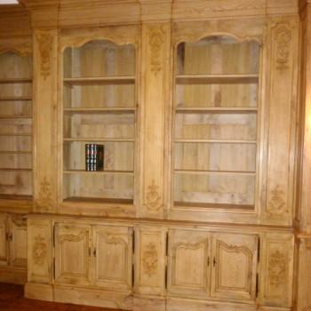 Boiseries anciennes remontées en bibliothèque