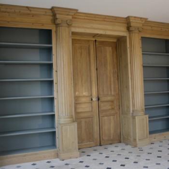 Bibliothèque en boiseries anciennes