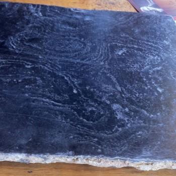 Sol d'église pierre noire